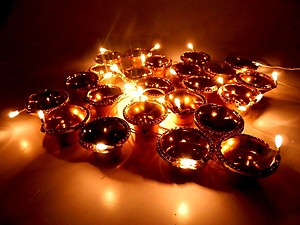 Art with Emphasis AWE 2054 Diwali Diya Toran Light (Gold)